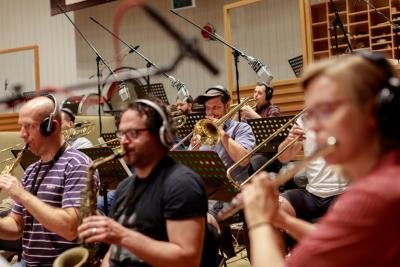 Concept Art Orchestra: Nesoudit, ale trochu vybízet