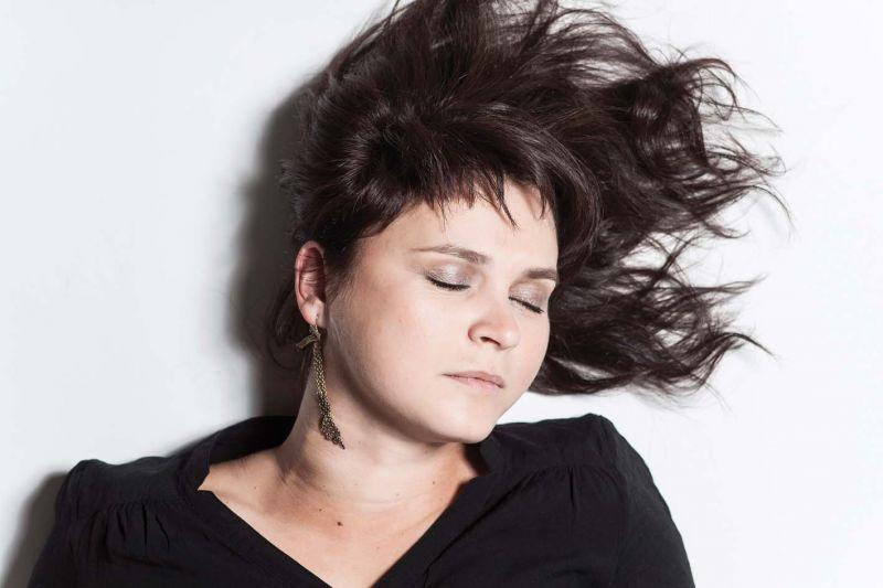 Beata Hlavenková - Umění napsat jednoduchou píseň, foto Johana Pošová