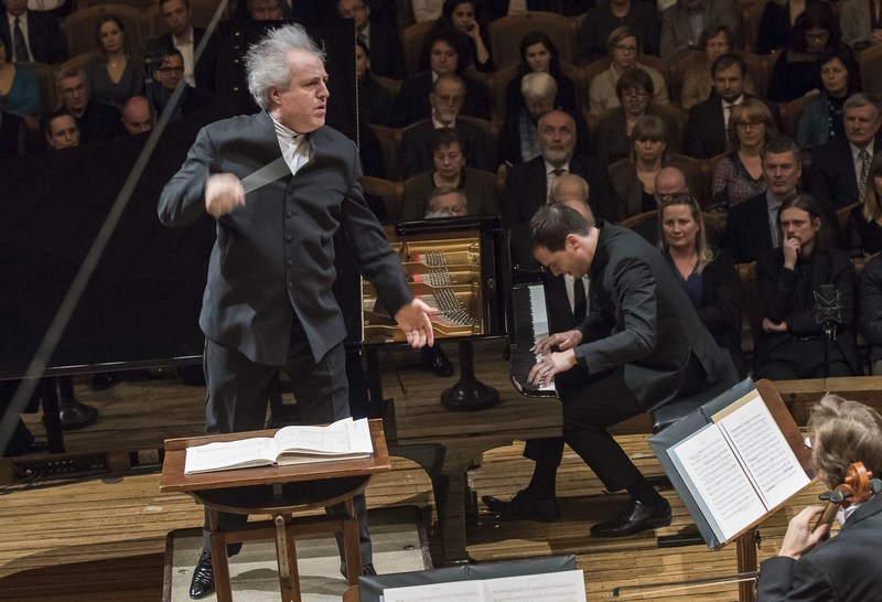 Manfred Honeck a Francesco Piemontesi, foto Petra Hajská