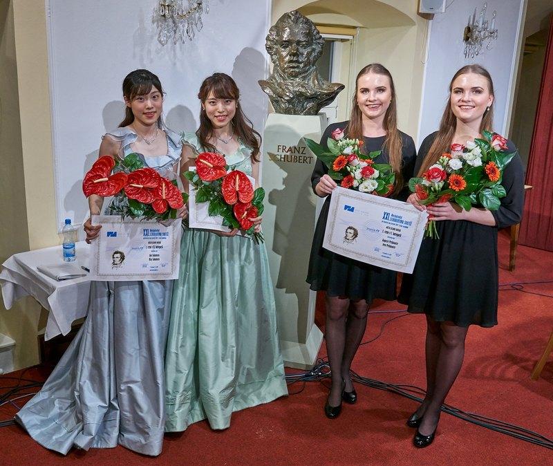 Laureátky I. a II. kategorie, foto Tomáš Neuwirth